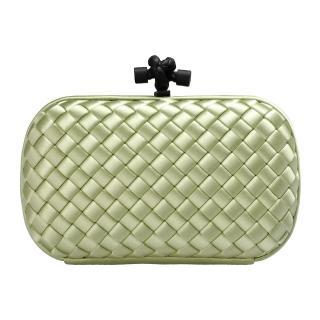【BOTTEGA VENETA】經典SATIN KNOT緞面編織設計手拿包 淡綠色(113085-3414)