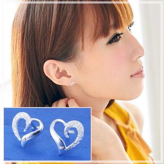 【維克維娜】美好心情。流線愛心設計感鑲鑽 925純銀耳環