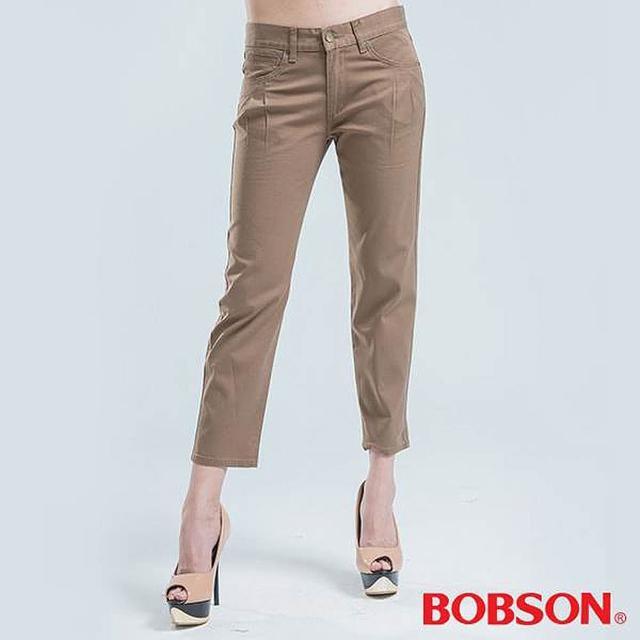【BOBSON】女款吊帶打摺直筒色褲(卡其)