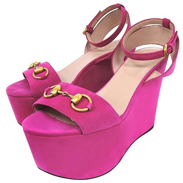 【GUCCI】麂皮經典馬銜高跟楔型涼鞋-36.5-38號(桃紅色)