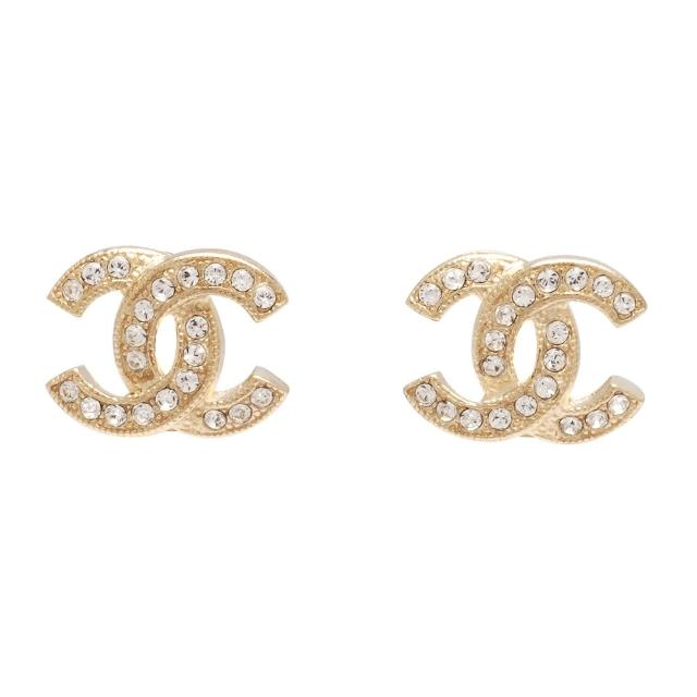 【CHANEL】香奈儿经典双C LOGO 水钻镶嵌滚边压纹穿式耳环(金88429-OR)