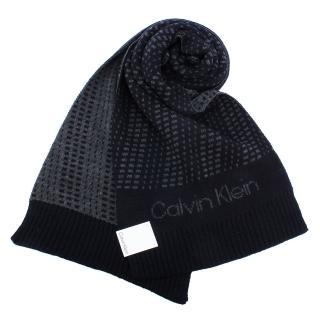 【Calvin Klein】幾何撞色斜紋休閒雙面圍巾(深藍/灰色)