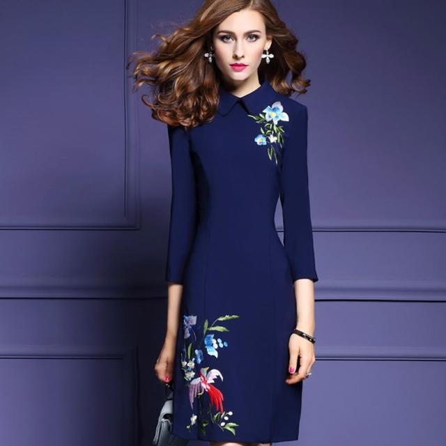 【a la mode 艾拉摩兒】重工花朵刺繡娃娃領九分袖洋裝(二色/M-XXXL)