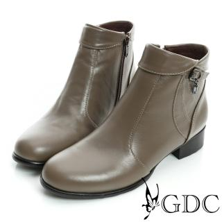 【GDC】個性-反折皮帶吊飾拉鍊真皮低跟短靴-卡其色(629321)