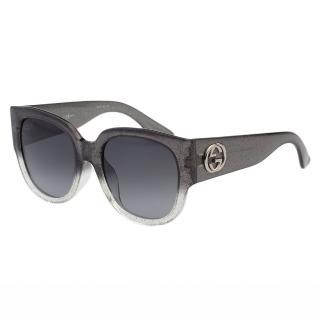 【GUCCI】-太陽眼鏡 經典粗版雙G(銀蔥漸層灰)