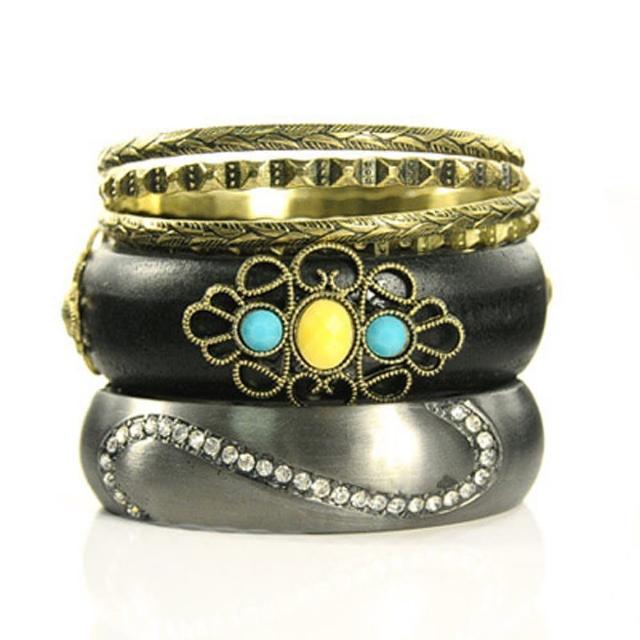 【Lady c.c.】晶繞美鑽柔情多層次手環(灰)