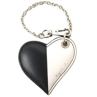 【agnes b.】愛心雙色皮革吊飾(黑白)