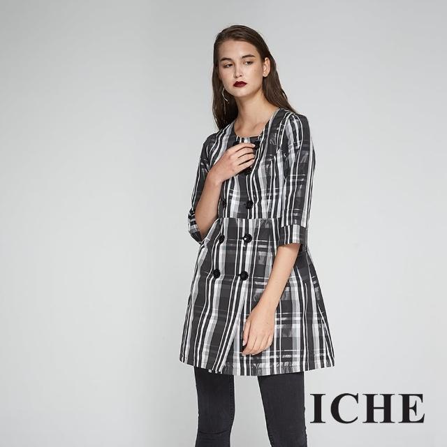 【ICHE 衣哲】英式格紋印花雙排釦長版風衣洋裝外套-兩穿-黑