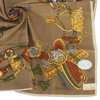 【TRUSSARDI】經典刺繡LOGO貴族馬車綿混絲帕領巾(卡其色)