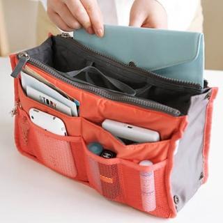 【DF Queenin】時尚OL隨身收納手提包中包-隨機2入