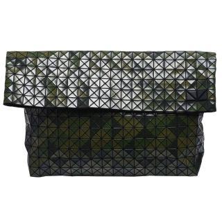 【ISSEY MIYAKE 三宅一生】三宅一生 BAOBAO幾何方格對折萬用手拿包(迷彩綠BB53-AG911-68)