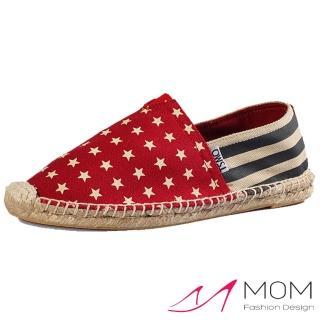 【MOM】舒適棉麻草編帆布休閒懶人鞋(紅星星藍條)