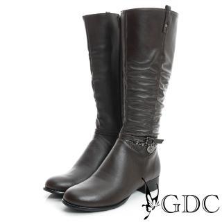 【GDC】側扣帶吊飾抓皺造型真皮長靴-咖啡色(829301)