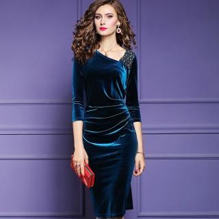 【a la mode 艾拉摩兒】單肩珍珠白鑽氣質絲絨長洋裝(三色/中大尺碼/S-4XL)