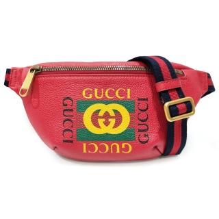 【GUCCI 古馳】527792 復古風格的圖案小牛皮綠紅綠織帶腰包/斜背包(紅色)