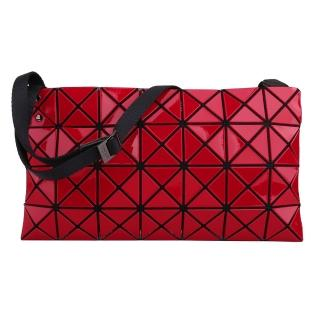 【ISSEY MIYAKE 三宅一生】BAOBAO釉彩幾何菱格4x7斜側背扁包(亮紅)