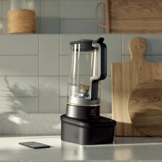 伊萊克斯藍帶大師智能調理果汁機