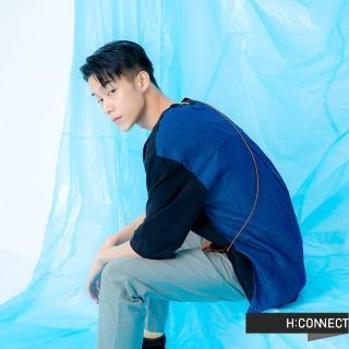 【H:CONNECT】韓國品牌 男裝 -雙面異材質拼接短袖上衣(黑色)