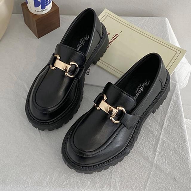 【K.W.】時尚穿搭金屬扣復古休閒鞋(共1色)/